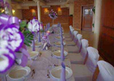 Wesele - sala przygotowana do uroczystosci ślubnej